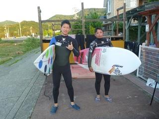 11 日の出とともにサーフィン (2).JPG