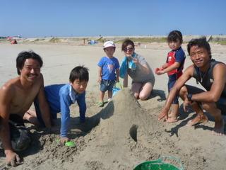 6砂浜遊びもしましたね.JPG