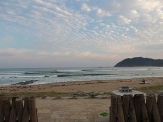 DSCN1167二日めの波.JPG