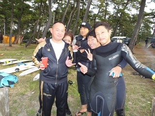 仲間の勇姿を一目見ようと (4).JPG