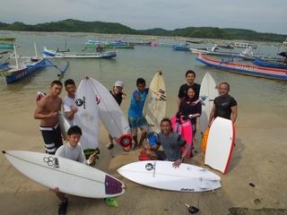 裸でサーフィン (1).JPG
