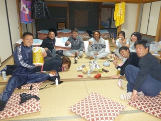 P1040674宿で宴会.JPG