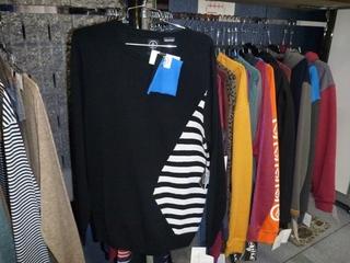P1070426メンズセーター.JPG