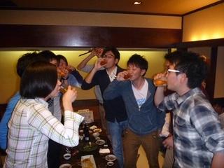 P1080792イッキ飲み.JPG