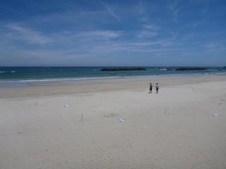 P1030793のどかなビーチ.JPG