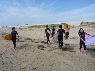 P1050018ビーチへ.JPG